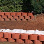 Anleitung: Eine Pflanzsteine Mauer bauen / Pflanzsteine setzen