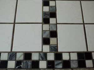 Mosaik Fliesen verlegen Anleitung