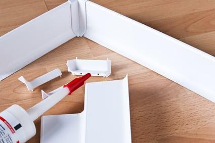 Turbo Sockelleisten kleben: Anleitung und Tipps für Heimwerker OF64