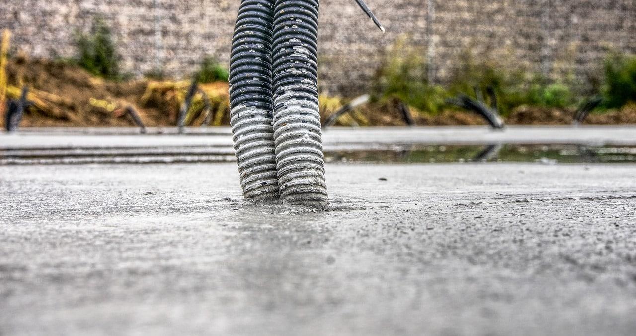 Bodenplatte betonieren: Kosten