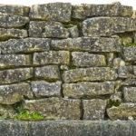 Trockenmauersteine verlegen Preise für Beton, Granit und Sandstein
